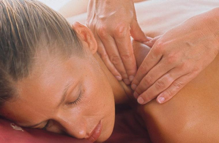 UNA Spa massage
